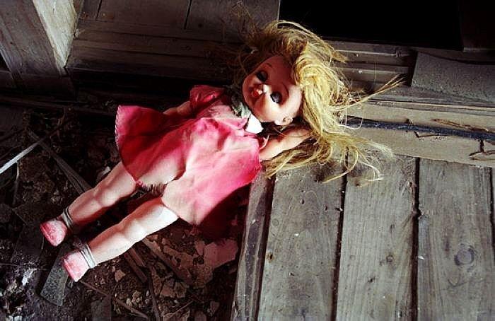 Предгрозовой ветер сорвал с крыши фонарь, который убил током малолетнюю девочку