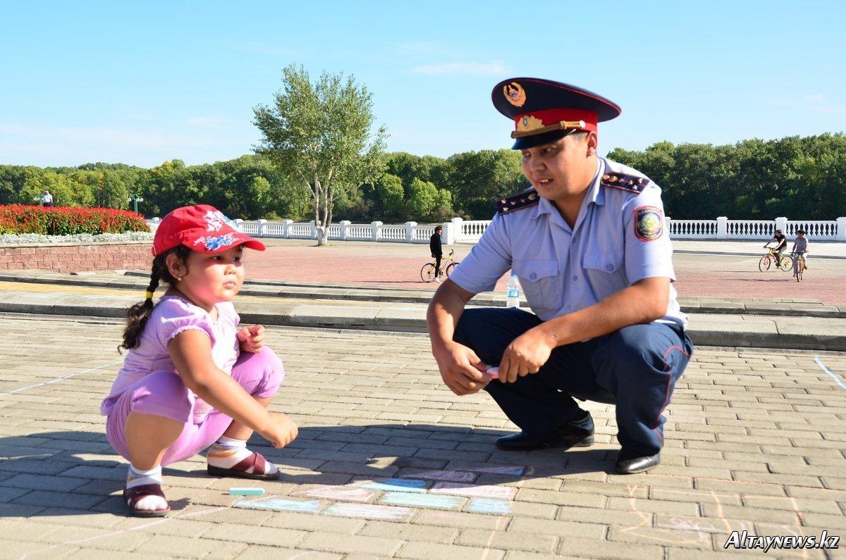 ГУ МВД России по Волгоградской области проводит мероприятия ко Дню правовой помощи детям