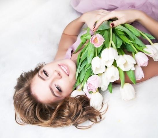 Фирма «KM_massage» (медицина и здоровье): «Дорогие женщины, спасибо за ваше очарование!»