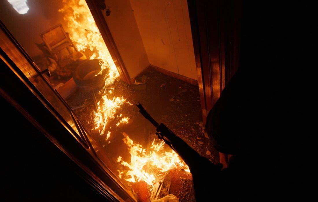 Мужчина пострадал при пожаре в пятиэтажном жилом доме в Камышине
