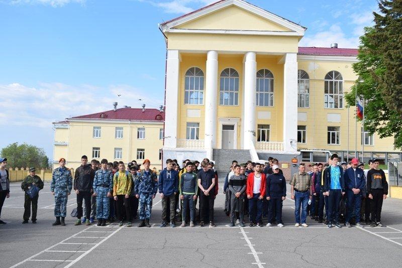 Камышинских десятиклассников призвали на сборы в бригаду химзащиты