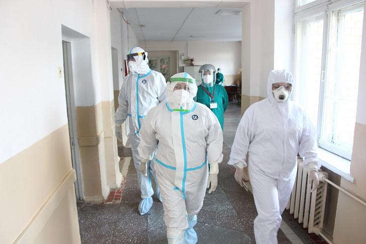 Высокопоставленной делегации Облздрава так понравился ковидный госпиталь в  Камышине, что она назвала его одним из лучших в регионе