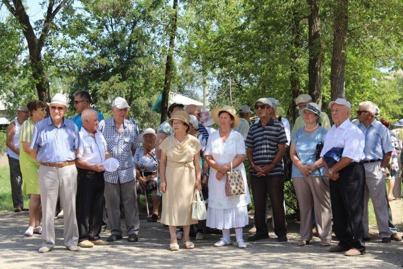Арка в парке Строителей в Камышине: место и время встречи изменить нельзя