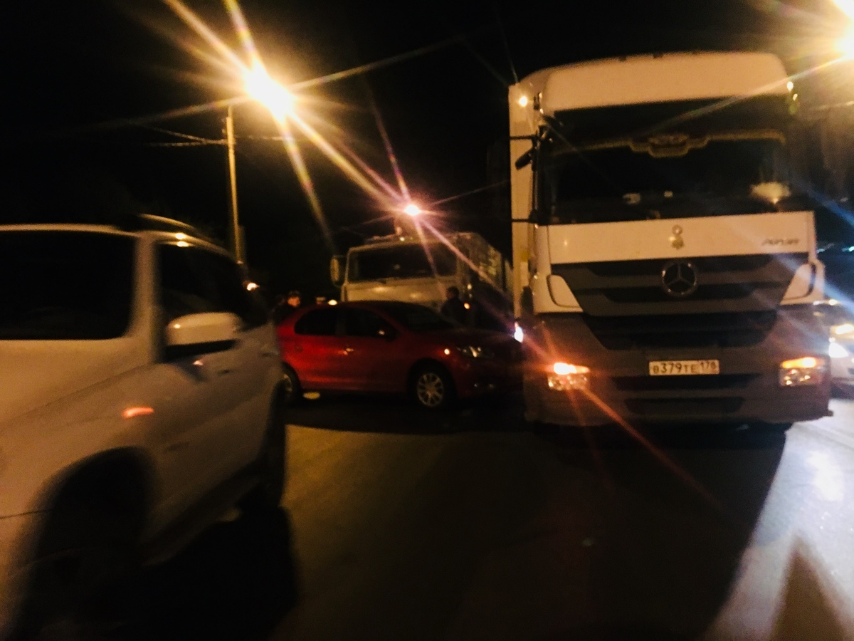 На саратовской трассе у камышинского светофора зафиксировано ДТП