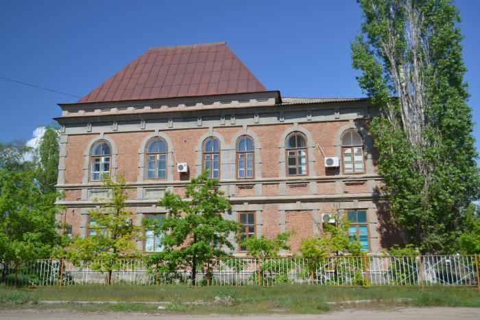 В Камышине городской комитет по  культуре переселяют в музыкальную школу, а городской спорткомитет - на стадион