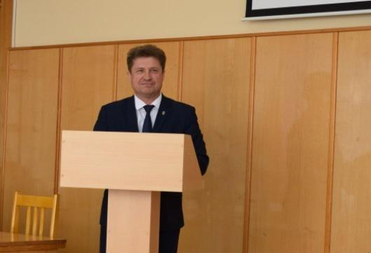 Глава Камышина Станислав Зинченко высказал прогрессивную позицию о том, чтобы «сбросить» с бюджета нерентабельные МУПы