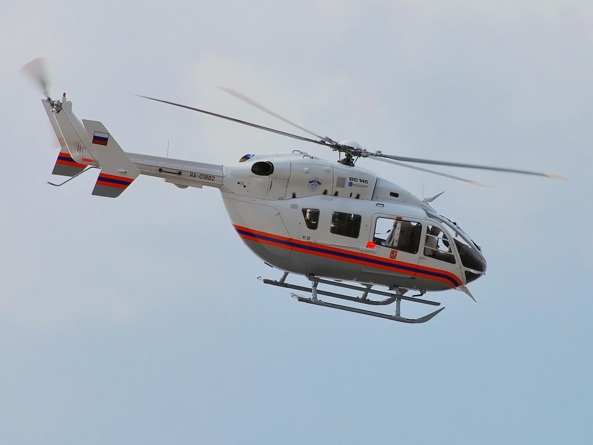 Медицинский вертолет забрал из Камышина 26-летнего пациента с переломом позвоночника