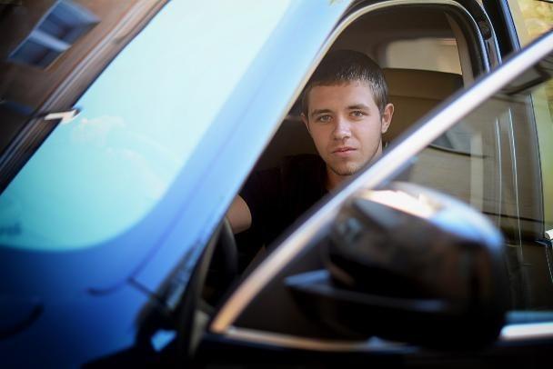 Депутатом Волжской гордумы стал 19-летний продавец алкомаркета, - «Блокнот Волжского»