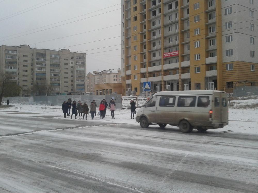 Камышане поинтересовались, когда будет сдан дом-высотка на улице Базарова